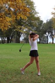 Lynzy-Schnell-golf